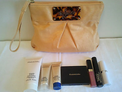 Elizabeth Arden Make up Gift set 7pcs New in Cosmetic Purse