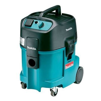 Makita 447M Wet and Dry Vacuum Dust Extractor 110v (CLEARANCE)