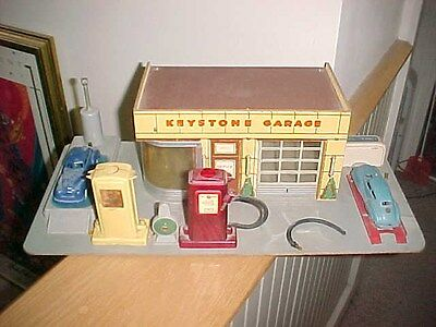 Keystone toy Garage 1930's service station lithograph/ with cars