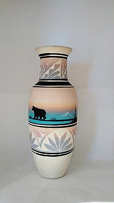 Large Sagg Dineh Polar Bear Mountains Scenic Navajo Pottery Vase Huts Teepees