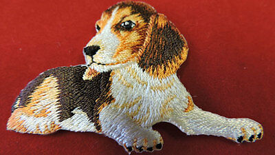EMBROIDERED IRON ON DOG APPLIQUE 3593-W