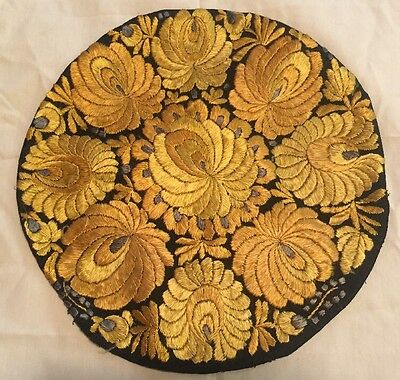 Beautiful HUNGARIAN ANTIQUE Hand EMBROIDERED SILK MATYO ROUND Pillow Cover