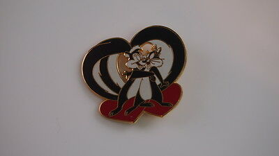 Pepe Le Pew Brooch Looney Tunes Heart Love Warner Bros Stamped 1995