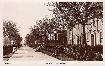 Broadway, Letchworth, Herts, Real photo, old postcard, unposted