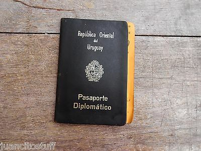 1962 Uruguay DIPLOMATIC PASSPORT complete with RARE VISAS & OMS VACUNATIONS cert