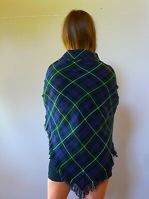 Vintage retro true 1970s wool tartan green triangle wrap scarf stole excellent