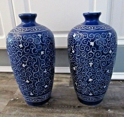 "VERY NICE 2 Chinese Blue & White Vases Taiwan ROC & Marking 11"" TALL (S)"