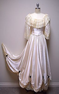 Vintage SAKS FIFTH AVENUE Mr Gubbins Ivory Silk Charmeuse & Lace Wedding Dress 8