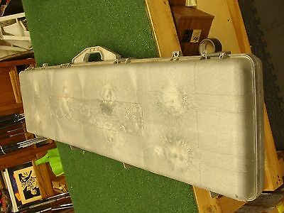 Contico hard plastic double rifle case with padding - GOOD WORKING CONDITION