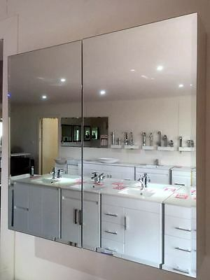 600mm Bevelled Edge Shaving Cabinet with 2 Mirror Doors