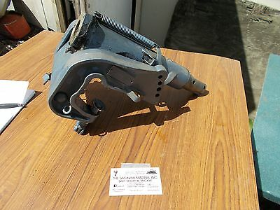 25 HP EVINRUDE Johnson 388036 Stern Mounting Clamp Bracket Port Off