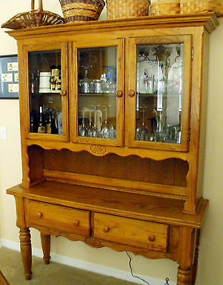 2 piece Oak China/ Hutch (has lighted glass shelves)--vintage 1980's