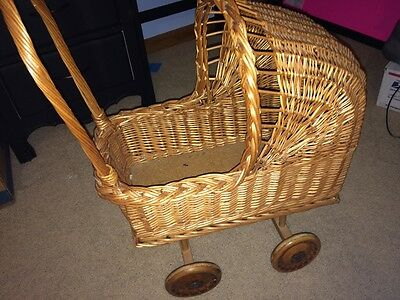 Vintage Wicker Baby Doll Stroller/carriage