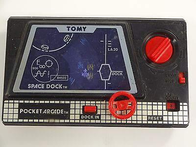 VINTAGE 1983 TOMY POCKET ARCADE SPACE DOCK WIND UP Game Works Perfect