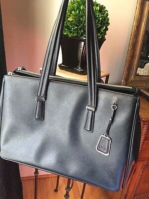 TUMI Sinclair Viera Business Tote Black Leather - ONLY USED ONCE!