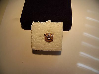 """1960's UNITED AIRLINES """"30 Years of Service"""" Gold Lapel Pin w/diamond"""