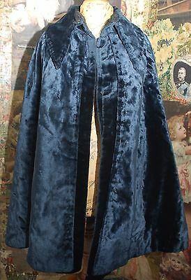 Beautiful One Size Crushed Velvet & Silk Stylish Antique Victorian Velvet Cape
