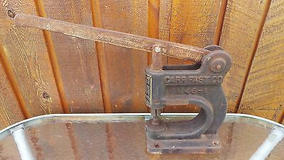 ANTIQUE Carr Fastener Industrial Rivet Grommet Eyelet Press Attaching Tool M46-1