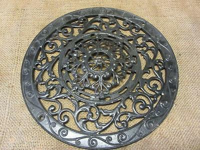 Vintage Cast Iron Register Grate > Antique Old Shabby Round Garden Ornate 9738