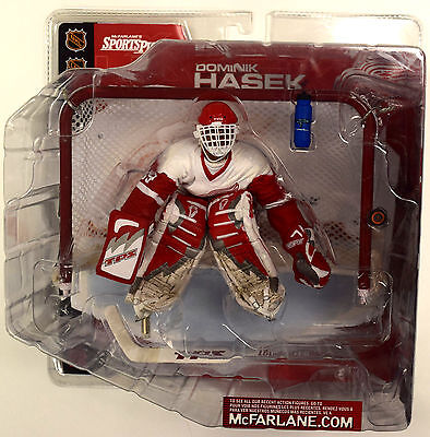Detroit Red Wings DOMINIK HASEK White Jersey - McFarlane Series 2 Action Figure