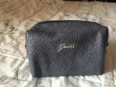 Trousse Maquillage Guess