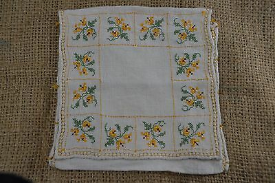 VINTAGE 1920s yellow embroidered floral linen handkerchief hosiery bag pocket