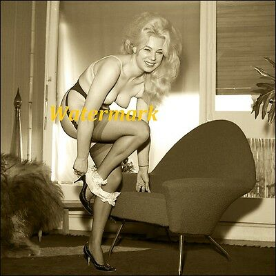 Unknown 1950-60's Classic, Retro,Timeless, Pinup, Model-Photo            G-0166