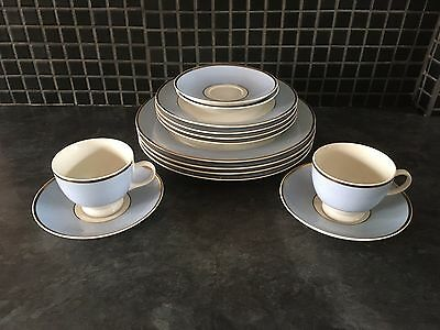 Royal Doulton 2004RD Bruce Oldfield China Set Blue/Gold