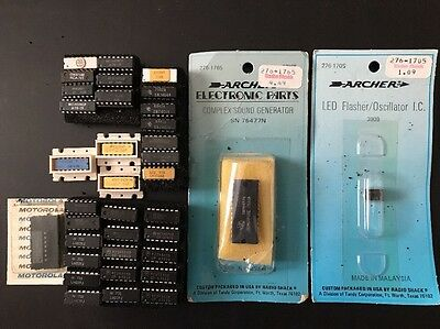 IC Integrated Circuits, Most 16 Pin - Lot of 56  Pieces, Motorola, Texas Inst