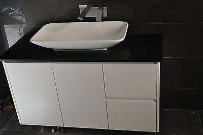Polyurethane Vanity With Marble Bench And Sink