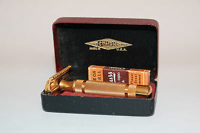 Vintage 1934 Gillette NEW long comb safety razor Red & Black Set