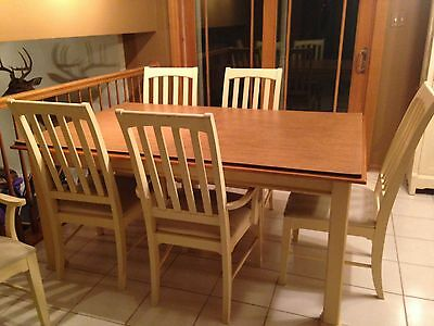 Thomasville Dinning room table and China Cabinet