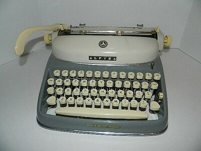 Vintage ALPINA Typewriter w/Case Made in West Germany - Excellent