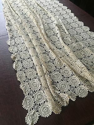 Vintage handmade hand made Crochet Bed Cover Lace Throw Very Fine!