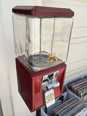 Vintage Northwestern Vending GUMBALL MACHINE with Stand and Original Key