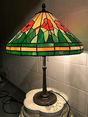 ANTIQUE BRADLEY & HUBBARD ART NOUVEAU LAMP w/ LILLY LEADED STAINED GLASS SHADE