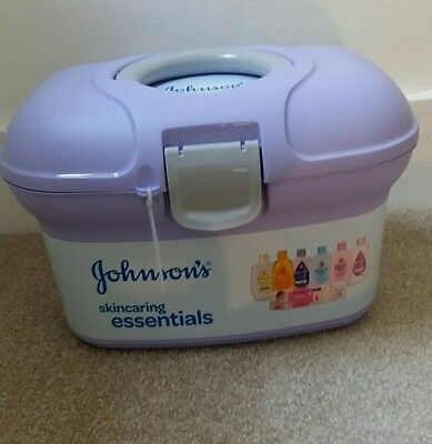 Johnsons baby skincaring essentials box (Brand New)