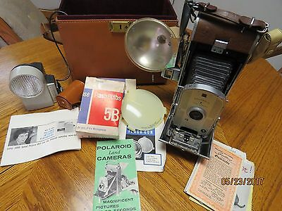 Vintage Polaroid Land Camera Model 95B with case &  ACCESSORIES