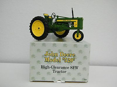 1956  John Deere Ertl Model 520 Fsw Tractor 2002 Two-Cylinder Club Expo Xii 1:16