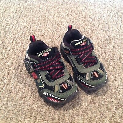 Skechers Boy's Athletic Shoes - Size 8 - Camo, Black, White & Red