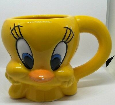 1996 Warner Bros. Looney Tunes Tweety Bird 3D ceramic mug