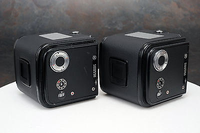 - 2x Black Hasselblad 70mm Film Magazines, Film Back for V-system Later Style (a