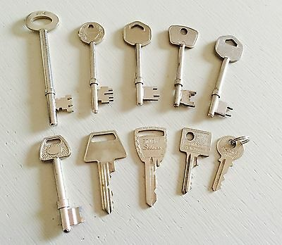 Job Lot 10 Old Keys 🔑 Vintage House Door Keys Antique Collectibles Lot 21
