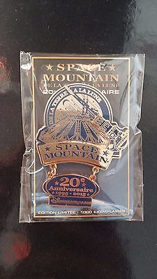 Pin's disney space mountain 20 ans