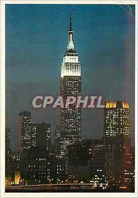 CPM New York Sky The Empire State Building lighing up the New York City