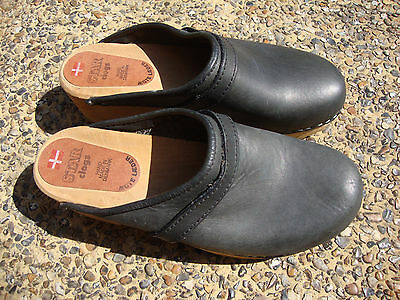 """Vintage """"Star"""" Danish Black Hand Made Leather Clogs Size 8½ 1970s"""