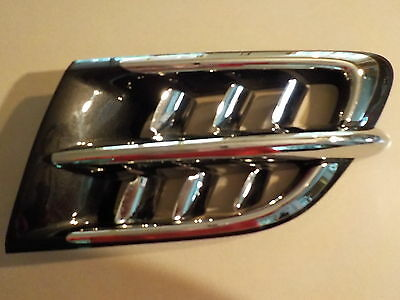 Honda 2001 - Up Gl1800 Goldwing Right Side Cowl Louver W Shark Gill Accent