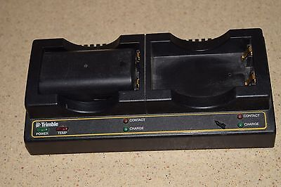 ++ Trimble Dual Bay Battery Charger W/ One Battery Model Charger P/n 41114-00