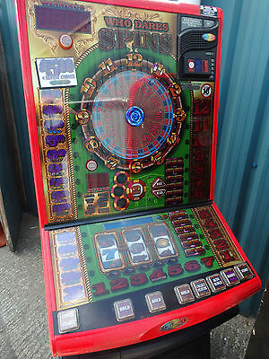Who Dares Spins Fruit Machine, £5 Jackpot, Accepts New £1 Coin