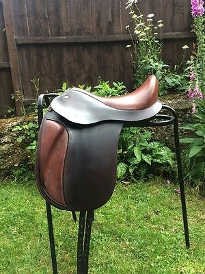 Strada Vienna Dressage Saddle -Size I - Michala Ling Brown, Beautifully Crafted.